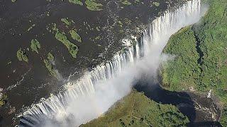 アフリカ・ザンビアの旅「ビクトリアの滝」=「雷鳴とどろく水煙」にかかる虹