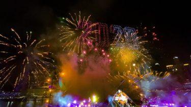 シンガポールのカウントダウンがヤバすぎる!① LEDドローンを使用した空中アートが凄い!!!